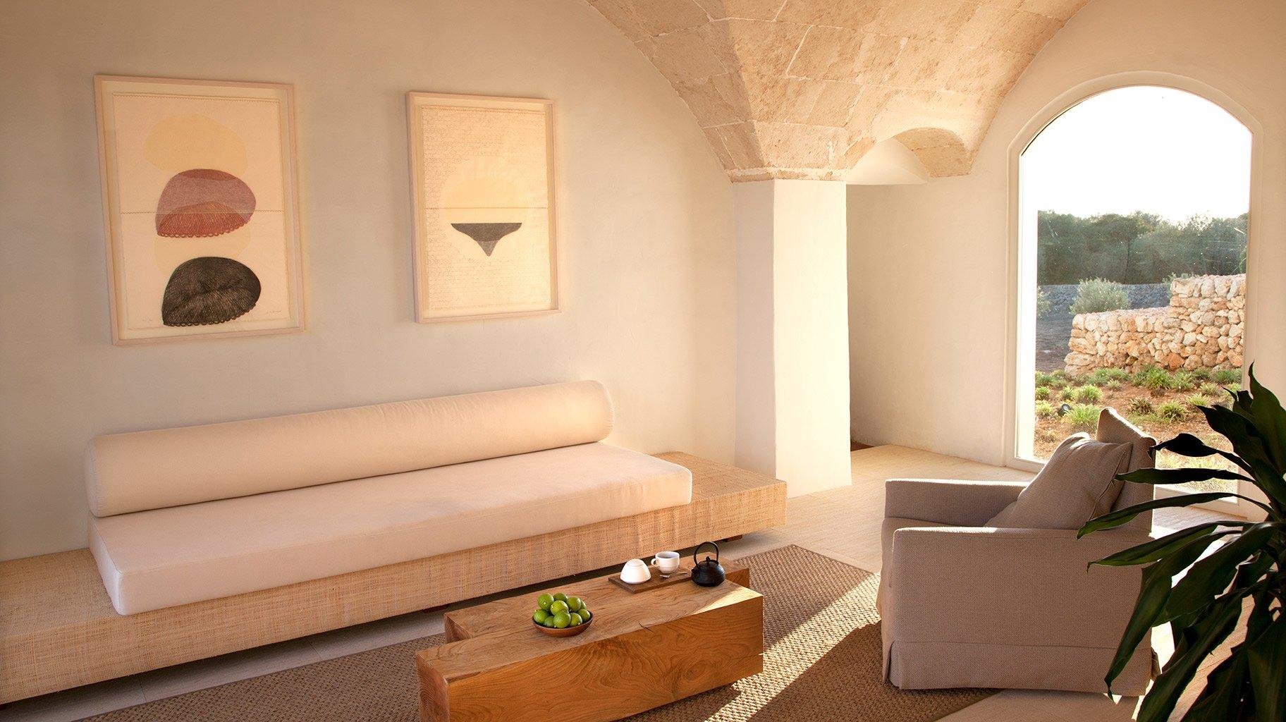 Decoración boho chic zona común Hotel Torralnenc Menorca, Deco Diván de decotherapy