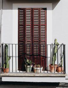 balcón muy útil para la casa post-COVID19