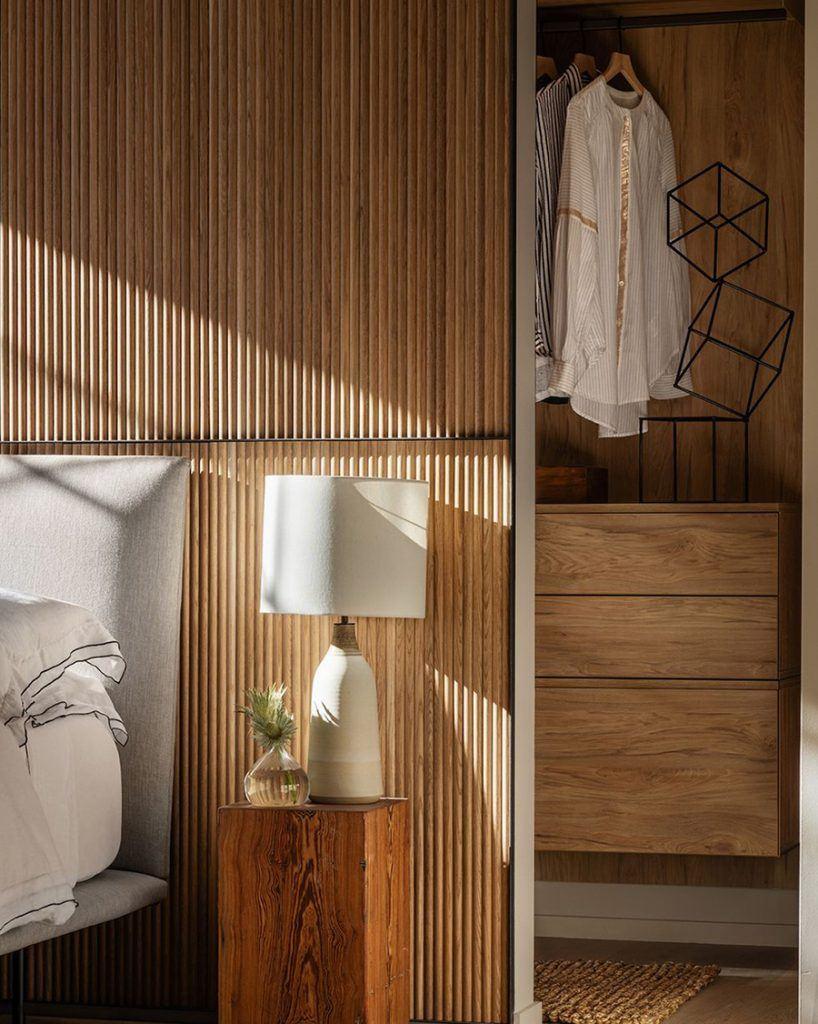 Paredes y muebles de madera estilo nórdico