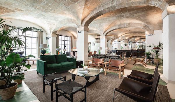 Salon estilo clásico estilo nórdico hotel Nobis en Palma de Mallorca